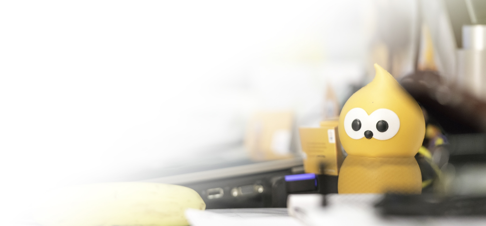 Picture of EDF Energy's Zingy character on a desktop