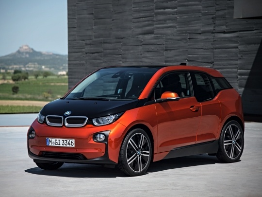 BMW i3 120Ah front view