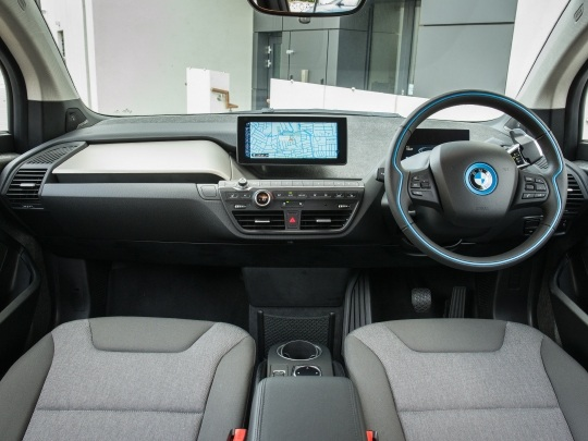 BMW i3 120Ah interior view dashboard seating