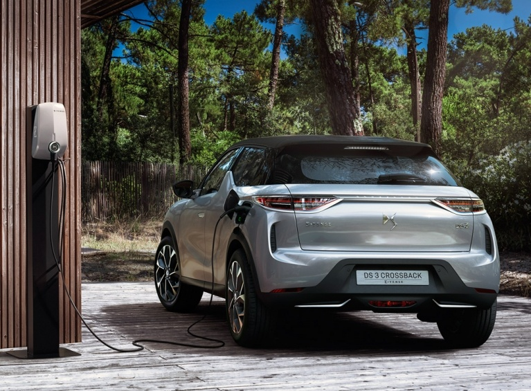 DS3 crossback e-tense rear charging