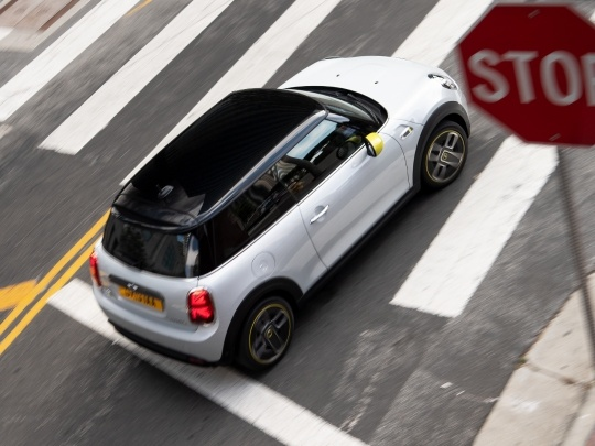MINI Electric exterior view top side