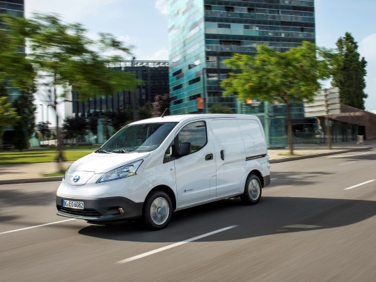 Nissan e-NV200 front view on road
