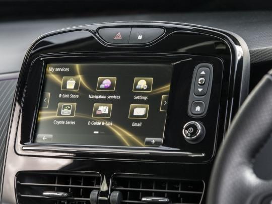 Renault ZOE Dynamique interior view dashboard digital console