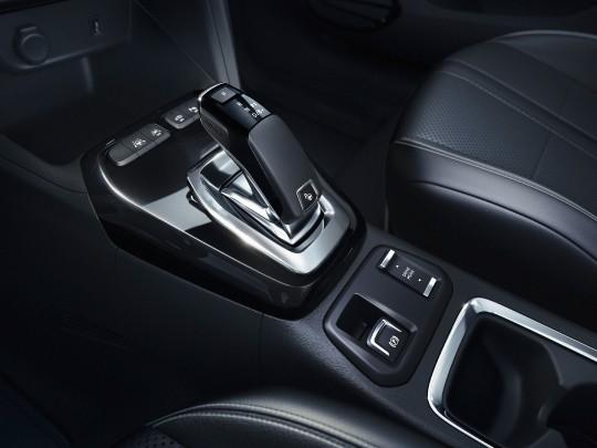 Vauxhall Corsa-e interior view console auto controls