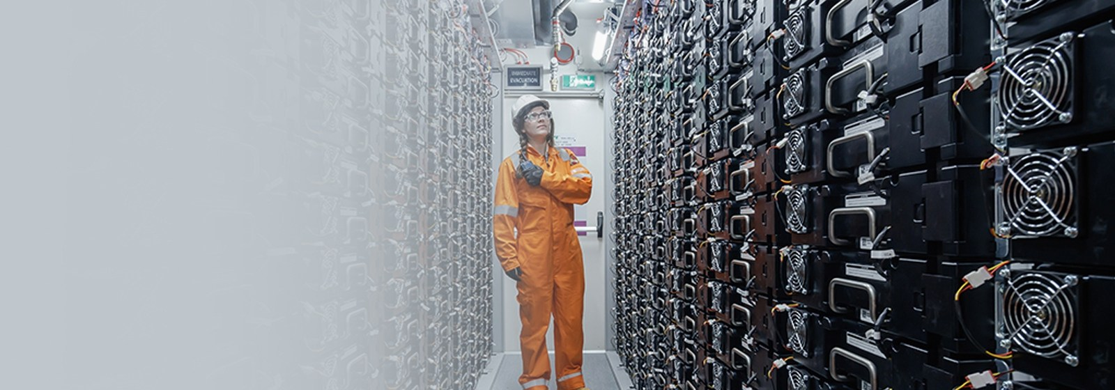 Lower your costs with our_battery storage solutions