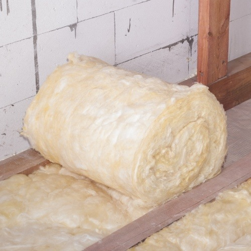 loft insulation roll between rafters