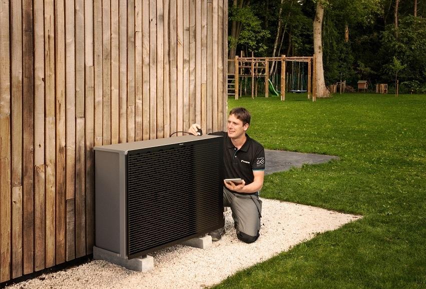 Air Source Heat Pump installer