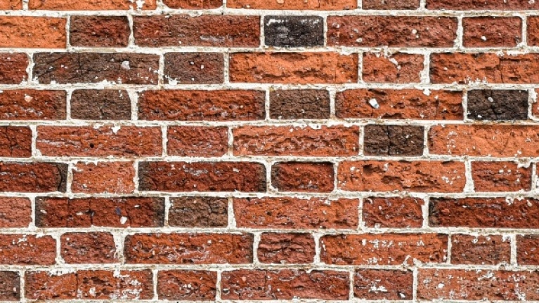 Solid wall brick pattern example