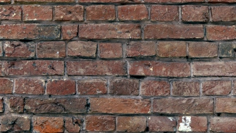 Solid wall brick pattern example 3