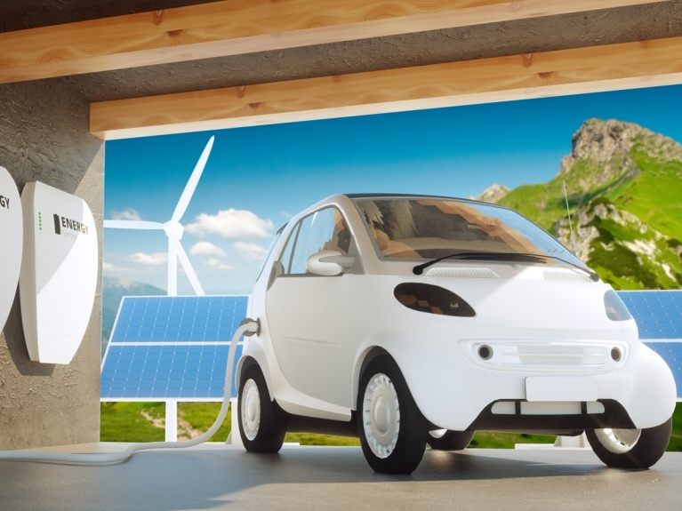 electric car household battery storage concept
