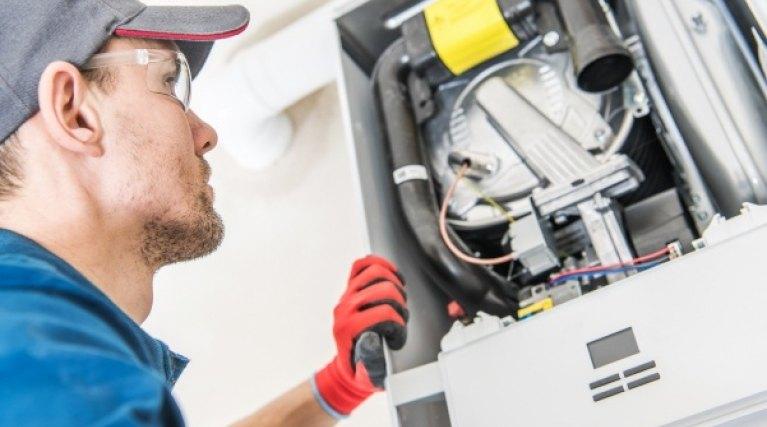 Boiler engineer emergency repair investigation